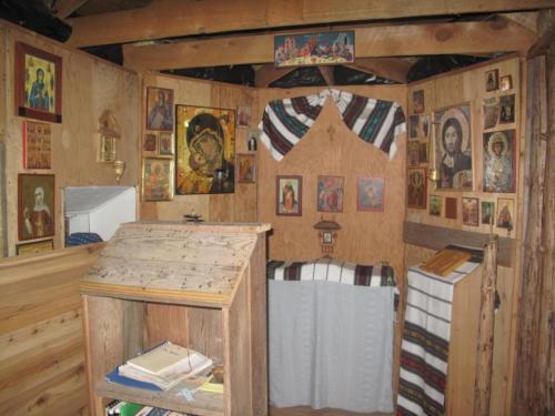biserica-veche-a-schitului-stergare-si-icoane-romanesti-nilus-island-alaska